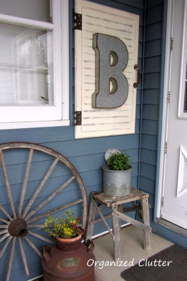 DIY Porch and Patio Ideas - Roadside Sign Porch - Decor Projects and Furniture Tutorials You Can Build for the Outdoors - Lights and Lighting, Mason Jar Crafts, Rocking Chairs, Wreaths, Swings, Bench, Cushions, Chairs, Daybeds and Pallet Signs
