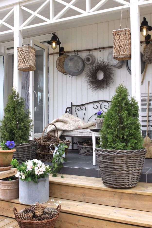 DIY Porch and Patio Ideas - Rustic Wicker & Pinecone Porch Decor - Decor Projects and Furniture Tutorials You Can Build for the Outdoors - Lights and Lighting, Mason Jar Crafts, Rocking Chairs, Wreaths, Swings, Bench, Cushions, Chairs, Daybeds and Pallet Signs