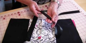 Sewing Tutorial : Folding Fabric Jewelry Case
