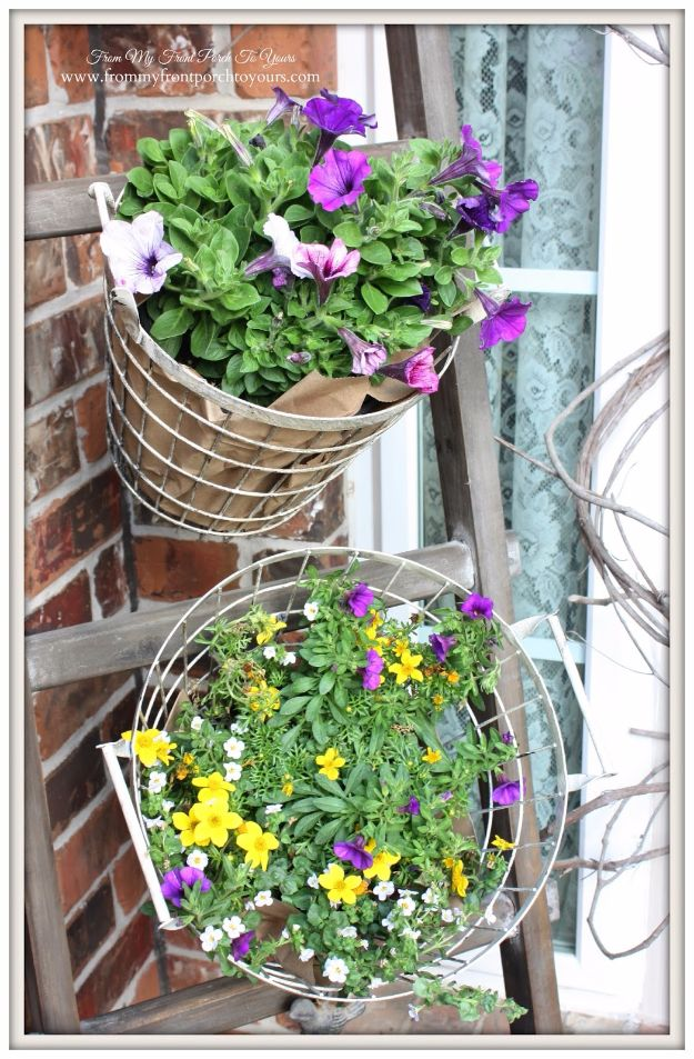 DIY Porch and Patio Ideas - Vintage Farmhouse Wire Baskets - Decor Projects and Furniture Tutorials You Can Build for the Outdoors - Lights and Lighting, Mason Jar Crafts, Rocking Chairs, Wreaths, Swings, Bench, Cushions, Chairs, Daybeds and Pallet Signs
