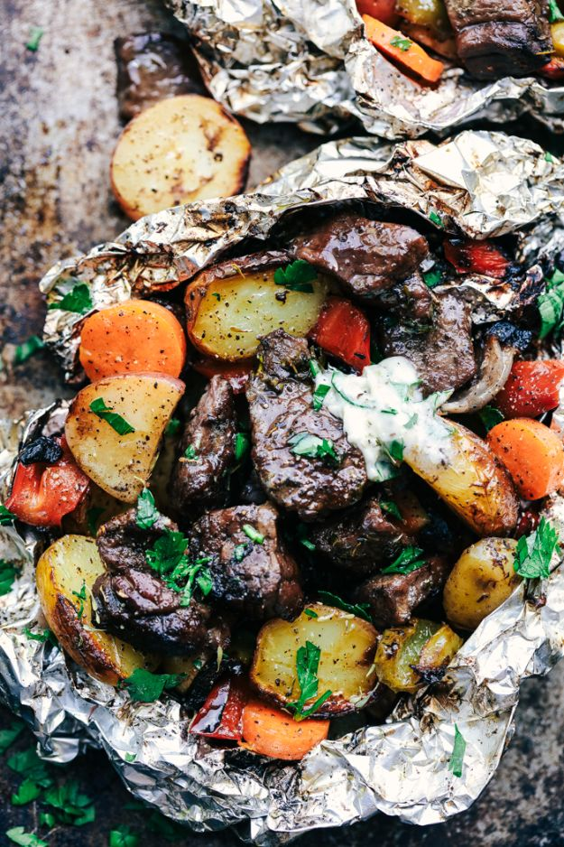 Tin Foil Camping Recipes - Butter Garlic Herb Steak Foil Packets - DIY Tin Foil Dinners, Ideas for Camping Trips and On Grill. Hamburger, Chicken, Healthy, Fish, Steak , Easy Make Ahead Recipe Ideas for the Campfire. Breakfast, Lunch, Dinner and Dessert, Snacks all Wrapped in Foil for Quick Cooking #camping #tinfoilrecipes #campingrecipes