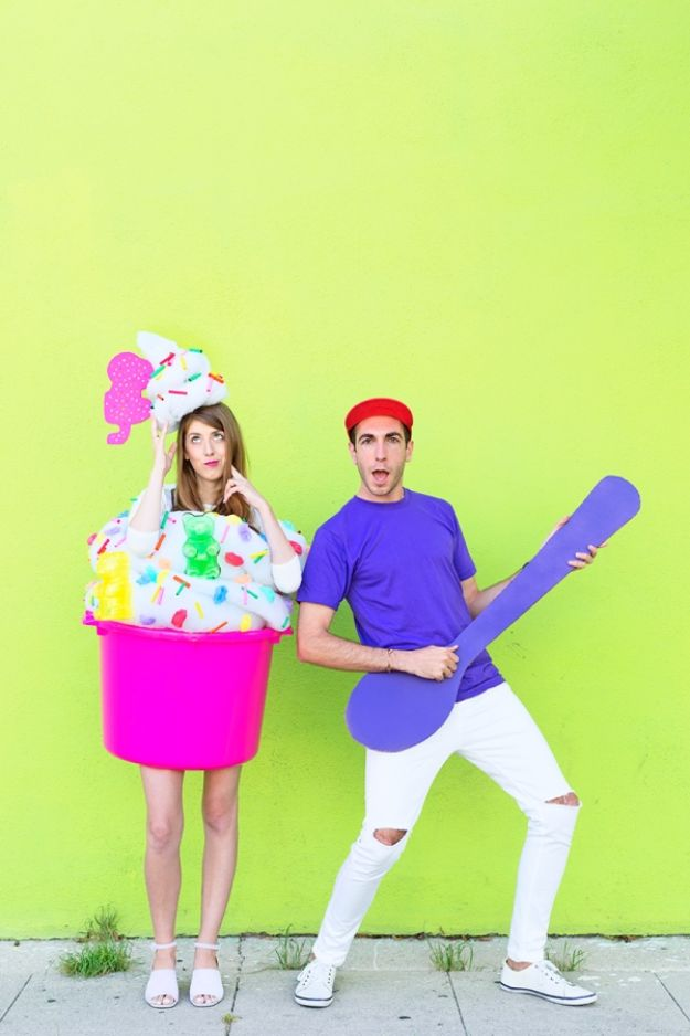 DIY Halloween Costumes for Couples - DIY Fro-yo Costume - Funny, Creative and Scary Ideas for Parties, College Party - Unique and Cute Project Idea for Disney Characters, Superhero, Movie Themes, Bonnie and Clyde, Homemade Costume Projects for Boyfriends - Quick Last Minutes Halloween Costume Ideas from Pinterest #halloween #halloweencostumes
