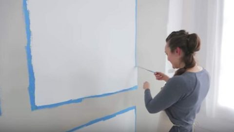 She Gives A Wall A 3-Dimensional Look. Watch How She Does It And 2 Other Decor Tips! | DIY Joy Projects and Crafts Ideas