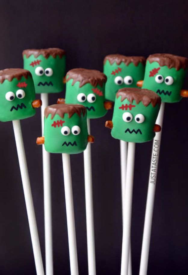 Best Halloween Party Snacks - Frankenstein Marshmallow Pops - Healthy Ideas for Kids for School, Teens and Adults - Easy and Quick Recipes and Idea for Dips, Chips, Spooky Cookies and Treats - Appetizers and Finger Foods Made With Vegetables, No Candy, Cheap Food, Scary DIY Party Foods With Step by Step Tutorials http://diyjoy.com/halloween-party-snacks