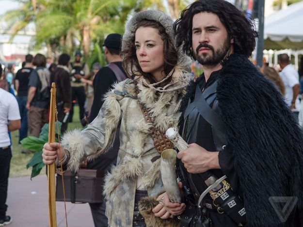 DIY Halloween Costumes for Couples - Jon Snow And Ygritte - Funny, Creative and Scary Ideas for Parties, College Party - Unique and Cute Project Idea for Disney Characters, Superhero, Movie Themes, Bonnie and Clyde, Homemade Costume Projects for Boyfriends - Quick Last Minutes Halloween Costume Ideas from Pinterest http://diyjoy.com/best-halloween-costumes-couples