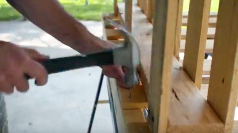 He Nails Pallets Together For An Item That Many Of You Will Want To See And Need! | DIY Joy Projects and Crafts Ideas