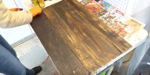 She Nails And Stains Pallet Wood And What She Makes Is The Best Gift You Can Give!