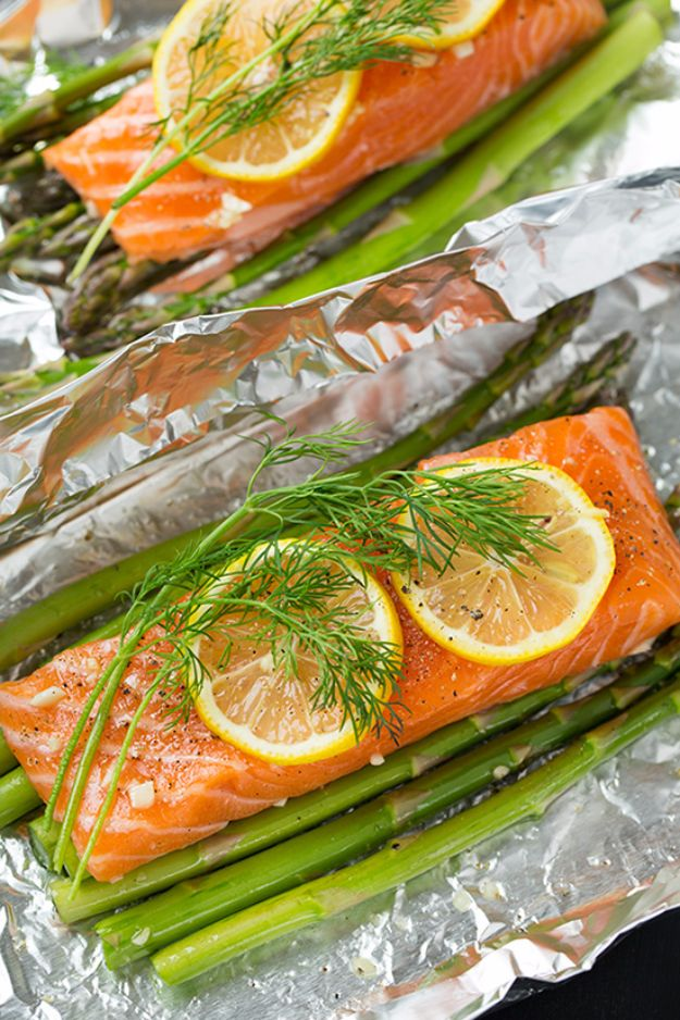Tin Foil Camping Recipes - Salmon and Asparagus in Foil - DIY Tin Foil Dinners, Ideas for Camping Trips and On Grill. Hamburger, Chicken, Healthy, Fish, Steak , Easy Make Ahead Recipe Ideas for the Campfire. Breakfast, Lunch, Dinner and Dessert, Snacks all Wrapped in Foil for Quick Cooking #camping #tinfoilrecipes #campingrecipes