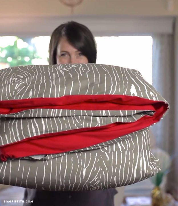 DIY Duvet Covers - Sew A Duvet Cover - Easy Sewing Projects and No Sew Ideas for Duvets - Cheap Bedroom Decor Ideas on A Budget - How To Sew A Duvet Cover and Bedding Tutorial - Creative Covers for Bed - Quick Projects for Making Designer Duvets - Awesome Home Decor Ideas and Crafts #duvet #diybedroom #roomdecor #sewingideas