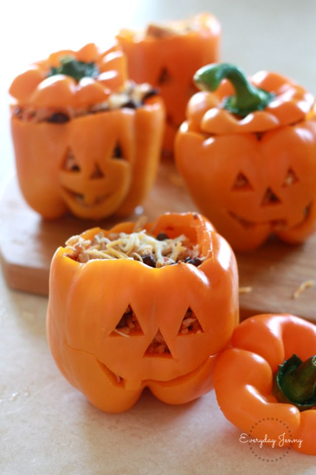 Best Halloween Party Snacks - Shredded Chicken And Rice Stuffed Peppers - Healthy Ideas for Kids for School, Teens and Adults - Easy and Quick Recipes and Idea for Dips, Chips, Spooky Cookies and Treats - Appetizers and Finger Foods Made With Vegetables, No Candy, Cheap Food, Scary DIY Party Foods With Step by Step Tutorials http://diyjoy.com/halloween-party-snacks