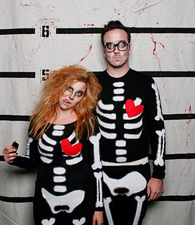 DIY Halloween Costumes for Couples - Skeleton Lovers - Funny, Creative and Scary Ideas for Parties, College Party - Unique and Cute Project Idea for Disney Characters, Superhero, Movie Themes, Bonnie and Clyde, Homemade Costume Projects for Boyfriends - Quick Last Minutes Halloween Costume Ideas from Pinterest http://diyjoy.com/best-halloween-costumes-couples