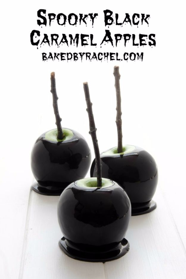 Best Halloween Party Snacks - Spooky Black Caramel Apples - Healthy Ideas for Kids for School, Teens and Adults - Easy and Quick Recipes and Idea for Dips, Chips, Spooky Cookies and Treats - Appetizers and Finger Foods Made With Vegetables, No Candy, Cheap Food, Scary DIY Party Foods With Step by Step Tutorials http://diyjoy.com/halloween-party-snacks