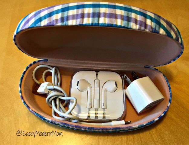 Packing Tips for Travel - Utilize Your Old Sunglasses Case - Easy Ideas for Packing a Suitcase To Maximize Space - Tricks and Hacks for Folding Clothes, Storing Toiletries, Shampoo and Makeup - Keep Clothing Wrinkle Free in Your Bag http://diyjoy.com/packing-tips-travel