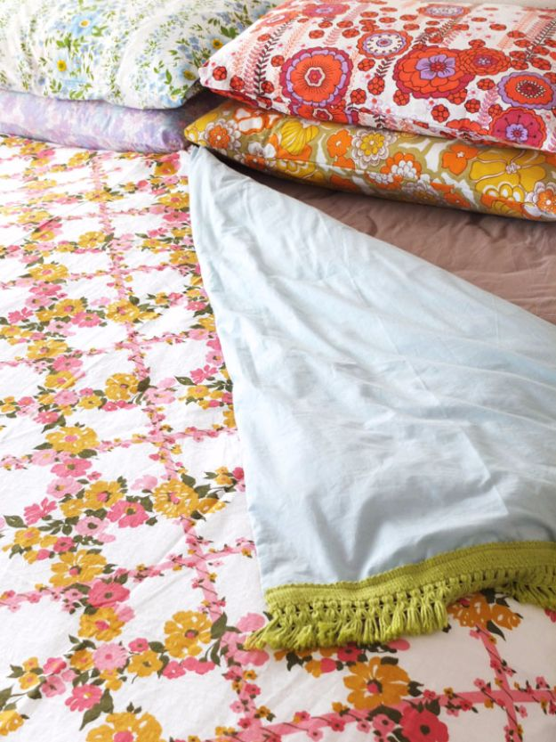 DIY Duvet Covers - Vintage Sheet Duvet Cover - Easy Sewing Projects and No Sew Ideas for Duvets - Cheap Bedroom Decor Ideas on A Budget - How To Sew A Duvet Cover and Bedding Tutorial - Creative Covers for Bed - Quick Projects for Making Designer Duvets - Awesome Home Decor Ideas and Crafts #duvet #diybedroom #roomdecor #sewingideas