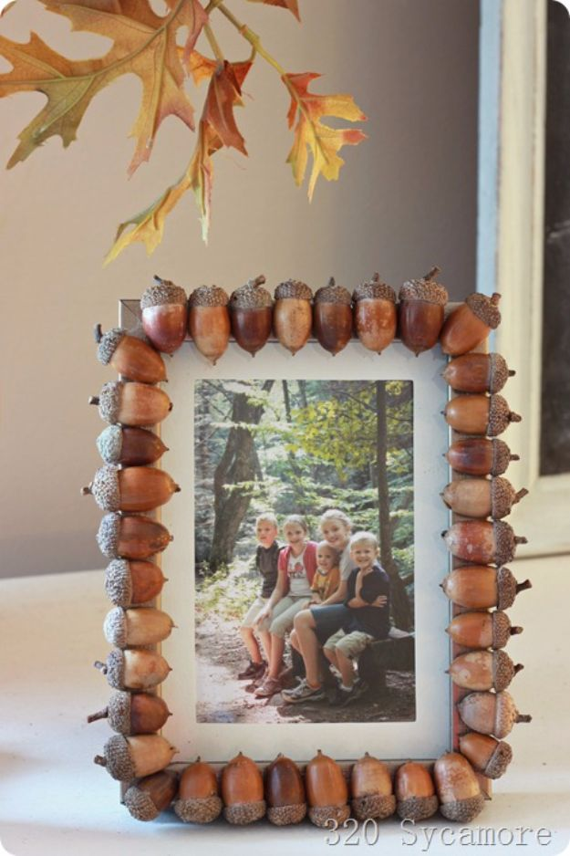 Best Crafts for Fall Decorating - Acorn Embellished Picture Frame - DIY Home Decor, Mason Jar Ideas, Dollar Store Crafts, Rustic Pumpkin Ideas, Wreaths, Candles and Wall Art, Centerpieces, Wedding Decorations, Homemade Gifts, Craft Projects with Leaves, Flowers and Burlap, Painted Art, Candles and Luminaries for Cool Home Decor - Quick and Easy Projects With Step by Step Tutorials and Instructions