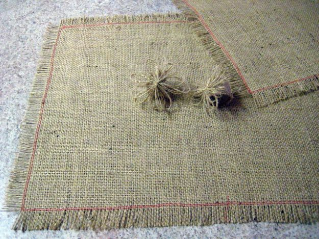 DIY Napkins and Placemats - Burlap Placemats - Easy Sewing Projects, Cute No Sew Ideas and Creative Ways To Make a Napkin or Placemat - Quick DIY Gift Ideas for Friends, Family and Awesome Home Decor - Cheap Do It Yourself Kitchen Decor - Simple Wedding Gifts You Can Make On A Budget