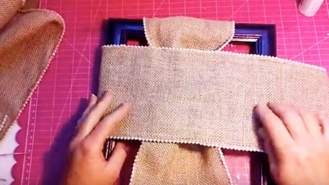 How to Make A Burlap Cross   DIY Joy Projects and Crafts Ideas