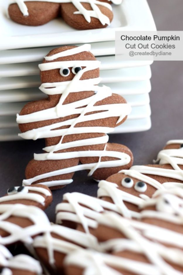 Cute Halloween Cookies - Chocolate Pumpkin Cut Out Cookies - Easy Recipes and Cookie Tutorials for Making Quick Halloween Treats - Spooky DIY Decorated Ghosts, Pumpkins, Bats, No Bake, Spiders and Spiderwebs, Tombstones and Healthy Options, Kids and Teens Cookies for School http://diyjoy.com/halloween-cookies-ideas