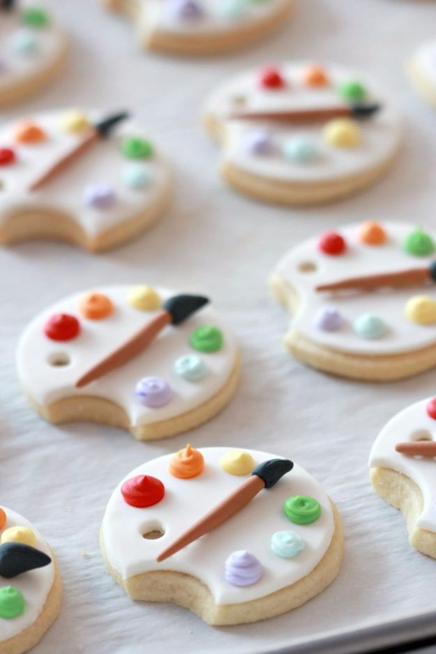 Cool Cookie Decorating Ideas - Covering Cookies with Fondant & Art Palette Decorated Cookie - Easy Ways To Decorate Cute, Adorable Cookies - Quick Recipes and Simple Decorating Tips With Icing, Candy, Chocolate, Buttercream Frosting and Fruit - Best Party Trays and Cookie Arrangements http://diyjoy.com/cookie-decorating-ideas