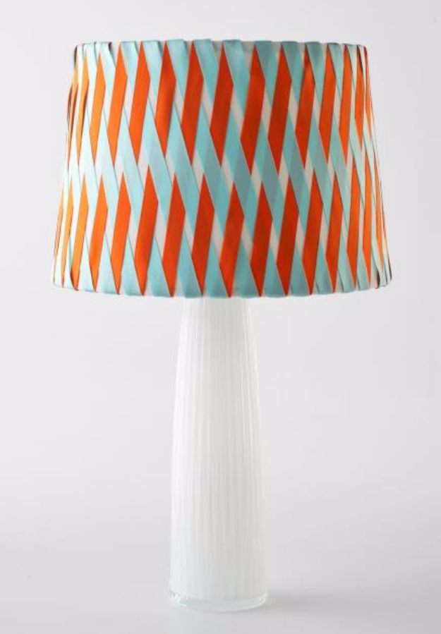DIY Lighting Ideas and Cool DIY Light Projects for the Home - Criss Cross Lamp Shade - Easy DIY Ideas for Chandeliers, lights, lamps, awesome pendants and creative hanging fixtures, complete with tutorials with instructions. Cheap do it yourself lighting tutorials for indoor - bedroom, living room, bathroom, kitchen DIY Projects and Crafts for Women and Men