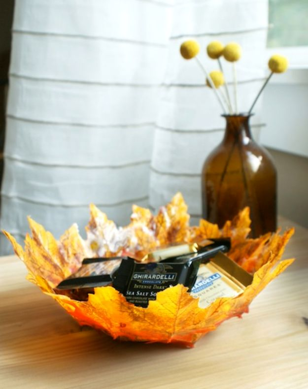 Best Crafts for Fall Decorating - DIY Autumn Leaf Bowl - DIY Home Decor, Mason Jar Ideas, Dollar Store Crafts, Rustic Pumpkin Ideas, Wreaths, Candles and Wall Art, Centerpieces, Wedding Decorations, Homemade Gifts, Craft Projects with Leaves, Flowers and Burlap, Painted Art, Candles and Luminaries for Cool Home Decor - Quick and Easy Projects With Step by Step Tutorials and Instructions http://diyjoy.com/best-fall-decorating-ideas