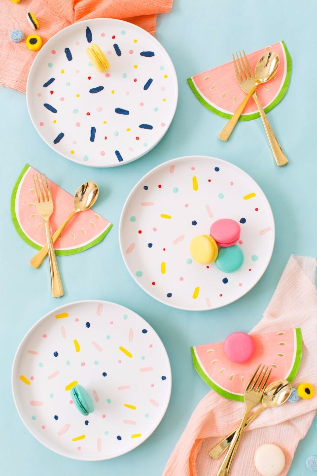 DIY Napkins and Placemats - DIY Confetti Pattern Placemats - Easy Sewing Projects, Cute No Sew Ideas and Creative Ways To Make a Napkin or Placemat - Quick DIY Gift Ideas for Friends, Family and Awesome Home Decor - Cheap Do It Yourself Kitchen Decor - Simple Wedding Gifts You Can Make On A Budget
