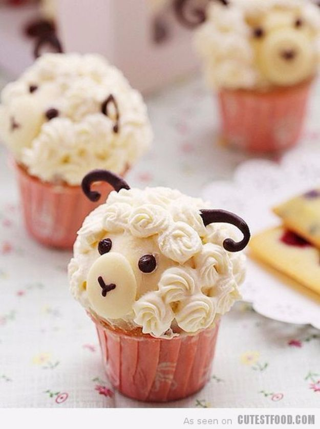 Cool Cupcake Decorating Ideas - DIY Cute Sheep Cupcakes - Easy Ways To Decorate Cute, Adorable Cupcakes - Quick Recipes and Simple Decorating Tips With Icing, Candy, Chocolate, Buttercream Frosting and Fruit kids birthday party ideas cake
