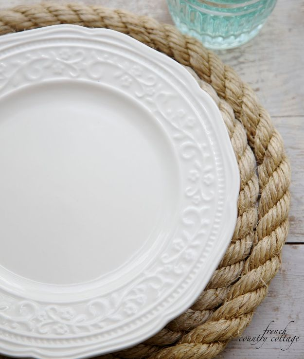 DIY Napkins and Placemats - DIY Rope Placemats - Easy Sewing Projects, Cute No Sew Ideas and Creative Ways To Make a Napkin or Placemat - Quick DIY Gift Ideas for Friends, Family and Awesome Home Decor - Cheap Do It Yourself Kitchen Decor - Simple Wedding Gifts You Can Make On A Budget http://diyjoy.com/diy-napkins-placemats