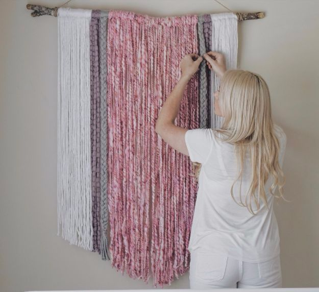 DIY Ideas With Yarn and Best Yarn Crafts - DIY Yarn Wall Art - Wall Hangings, Easy Dream Catchers, Crochet Ideas for Teens, Adults and Kids - Knitting , No Sew and Weaving Projects Make Awesome Wall Art and Home Decor on A Budget