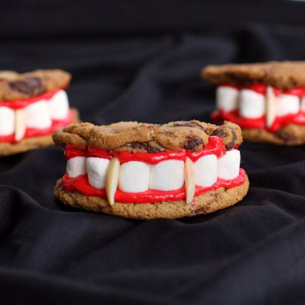 Cute Halloween Cookies - Dracula's Dentures - Easy Recipes and Cookie Tutorials for Making Quick Halloween Treats - Spooky DIY Decorated Ghosts, Pumpkins, Bats, No Bake, Spiders and Spiderwebs, Tombstones and Healthy Options, Kids and Teens Cookies for School http://diyjoy.com/halloween-cookies-ideas