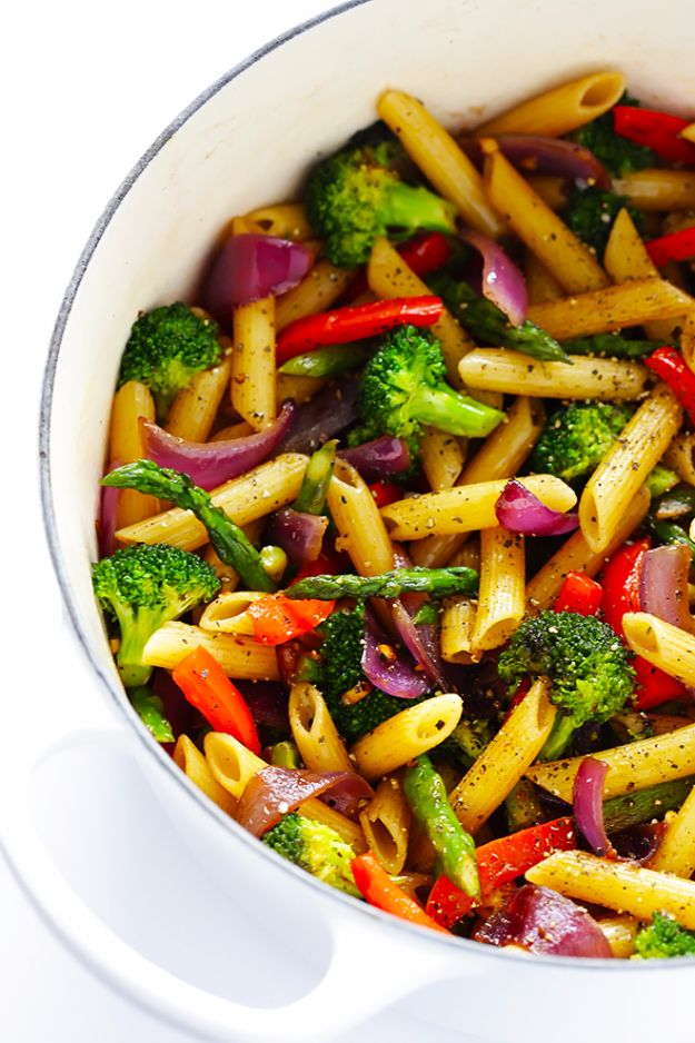 Easy Dinner Ideas for One - Easy Balsamic Veggie Pasta - Quick, Fast and Simple Recipes to Make for a Single Person - Freeze and Make Ahead Dinner Recipe Tips for Best Weeknight Dinners for Singles - Chicken, Fish, Vegetable, No Bake and Vegetarian Options - Crockpot, Microwave, Healthy, Lowfat Options