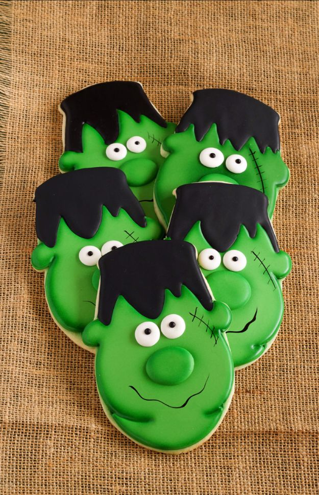Cute Halloween Cookies - Easy Frankenstein Cookies - Easy Recipes and Cookie Tutorials for Making Quick Halloween Treats - Spooky DIY Decorated Ghosts, Pumpkins, Bats, No Bake, Spiders and Spiderwebs, Tombstones and Healthy Options, Kids and Teens Cookies for School #halloween #halloweencookies