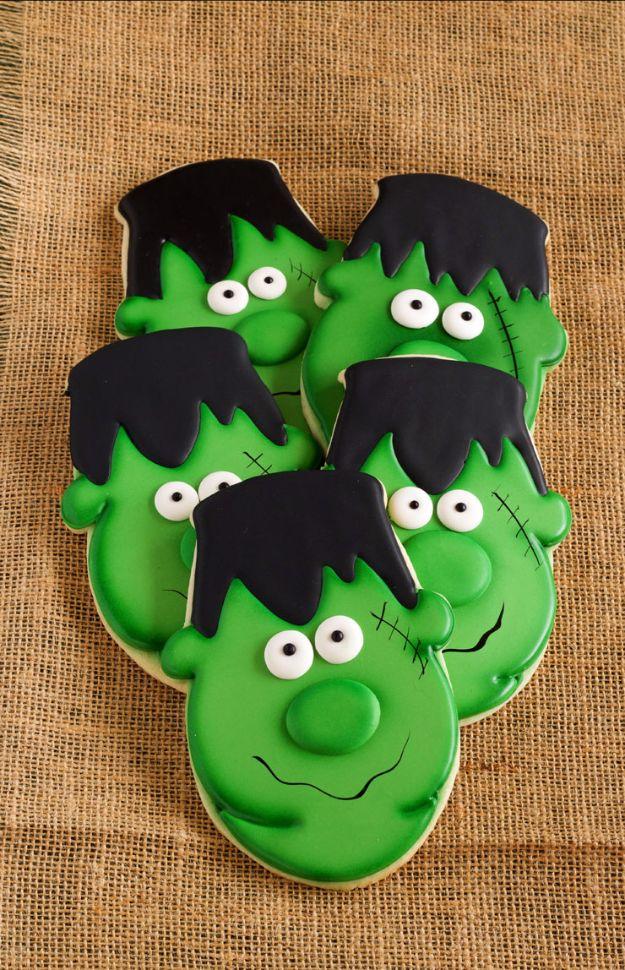 Cute Halloween Cookies - Easy Frankenstein Cookies - Easy Recipes and Cookie Tutorials for Making Quick Halloween Treats - Spooky DIY Decorated Ghosts, Pumpkins, Bats, No Bake, Spiders and Spiderwebs, Tombstones and Healthy Options, Kids and Teens Cookies for School http://diyjoy.com/halloween-cookies-ideas