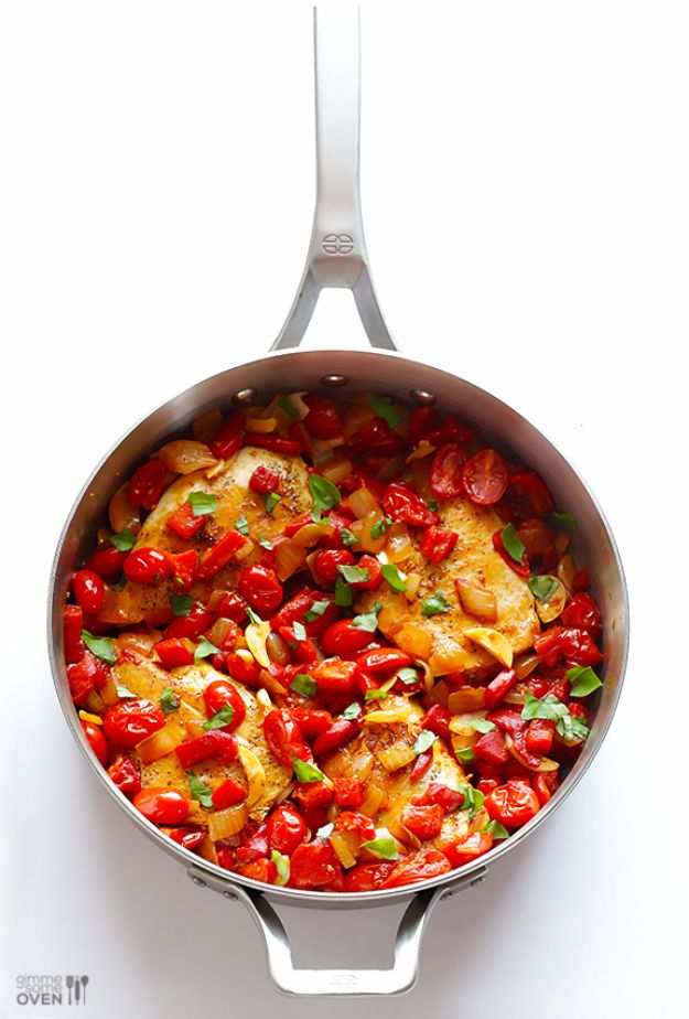 Easy Dinner Ideas for Two - Easy Italian Chicken Skillet - Quick, Fast and Simple Recipes to Make for Two People - Freeze and Make Ahead Dinner Recipe Tips for Best Weeknight Dinners - Chicken, Fish, Vegetable, No Bake and Vegetarian Options - Crockpot, Microwave, Healthy, Lowfat Options http://diyjoy.com/easy-dinners-for-two