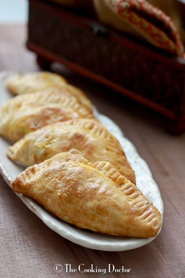 Back to School Lunch Ideas - Empanada Hand Pies - Quick Snacks, Lunches and Homemade Lunchables - Bento Box Style Lunch for People in A Hurry - Fast Lunch Recipes to Pack Ahead - Healthy Ideas for Kids, Teens and Adults