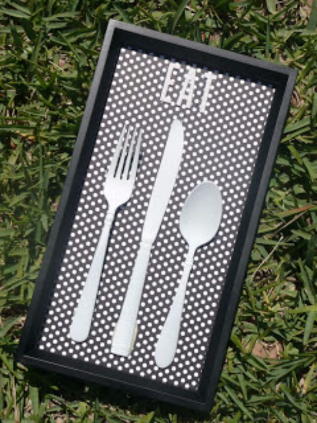 DIY Silverware Upgrades - Funky Kitchen Art - Creative Ways To Improve Boring Silver Ware and Palce Settings - Paint, Decorate and Update Your Flatware With These Creative Do IT Yourself Tutorials- Forks, Knives and Spoons all Get Dressed Up With These New Looks For Kitchen and Dining Room http://diyjoy.com/diy-silverware-upgrades