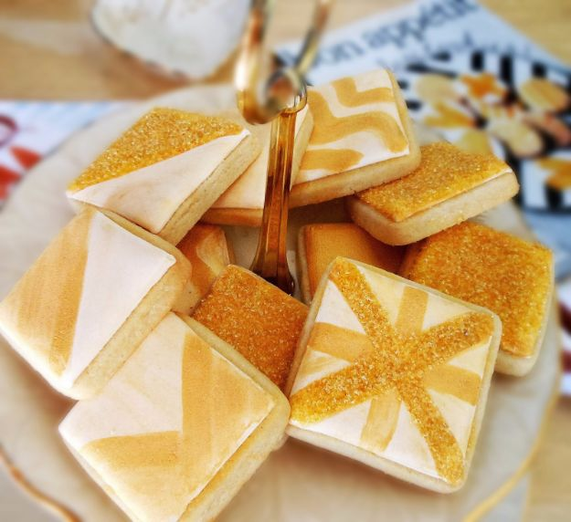 Cool Cookie Decorating Ideas - Glittery Square Cookies - Easy Ways To Decorate Cute, Adorable Cookies - Quick Recipes and Simple Decorating Tips With Icing, Candy, Chocolate, Buttercream Frosting and Fruit - Best Party Trays and Cookie Arrangements http://diyjoy.com/cookie-decorating-ideas