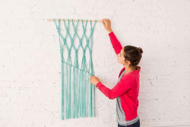 Rustic Wall Art Ideas - Gorgeous Macrame Wall Hanging - DIY Farmhouse Wall Art and Vintage Decor for Walls - Country Crafts and Rustic Home Decor Made Easy With Instructions and Tutorials - String Art, Repurposed Pallet Projects, Mason Jar Crafts, Vintage Signs, Word Art and Letters, Monograms and Sewing Projects http://diyjoy.com/rustic-wall-art-ideas