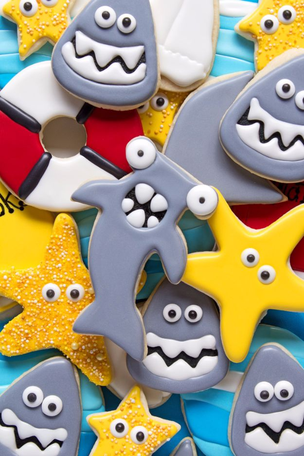 Cool Cookie Decorating Ideas - Hammerhead Shark Cookies - Easy Ways To Decorate Cute, Adorable Cookies - Quick Recipes and Simple Decorating Tips With Icing, Candy, Chocolate, Buttercream Frosting and Fruit - Best Party Trays and Cookie Arrangements http://diyjoy.com/cookie-decorating-ideas
