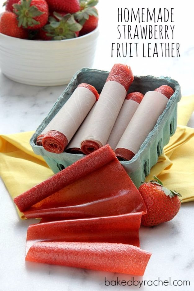 Back to School Lunch Ideas - Homemade Strawberry Fruit Leather - Quick Snacks, Lunches and Homemade Lunchables - Bento Box Style Lunch for People in A Hurry - Fast Lunch Recipes to Pack Ahead - Healthy Ideas for Kids, Teens and Adults