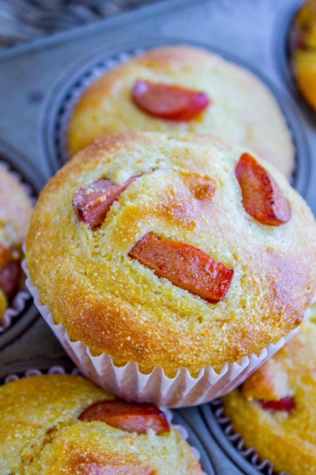 Back to School Lunch Ideas - Hot Dog Cornbread Muffins - Quick Snacks, Lunches and Homemade Lunchables - Bento Box Style Lunch for People in A Hurry - Fast Lunch Recipes to Pack Ahead - Healthy Ideas for Kids, Teens and Adults