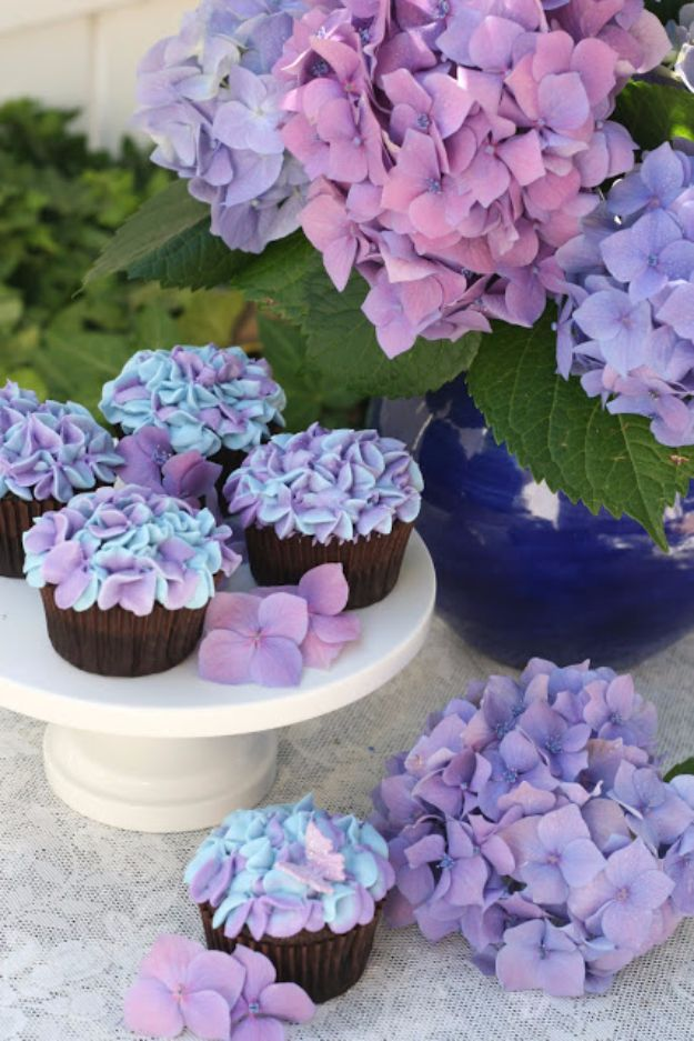 Cool Cupcake Decorating Ideas - Hydrangea Cupcakes - Easy Ways To Decorate Cute, Adorable Cupcakes - Quick Recipes and Simple Decorating Tips With Icing, Candy, Chocolate, Buttercream Frosting and Fruit kids birthday party ideas cake