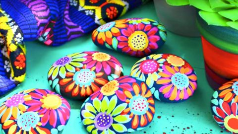 He Paints These Inspiration Rocks With Acrylic Paint And Brightens Someone's Day! | DIY Joy Projects and Crafts Ideas