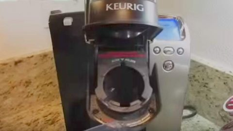 She Shows Us The Most Effective Way to Clean Your Keurig. Watch! | DIY Joy Projects and Crafts Ideas