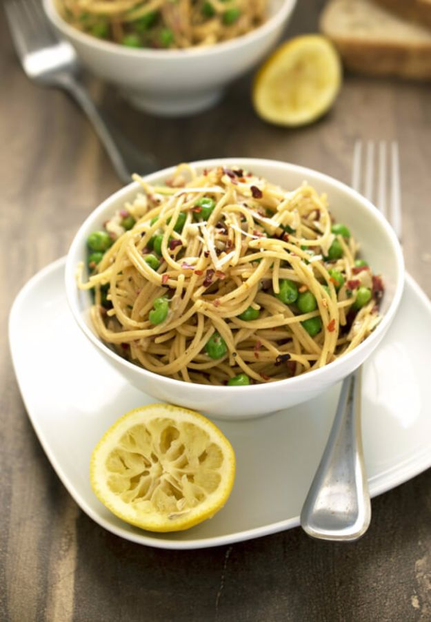 Easy Dinner Ideas for One - Lighter Spaghetti Pea Carbonara - Quick, Fast and Simple Recipes to Make for a Single Person - Freeze and Make Ahead Dinner Recipe Tips for Best Weeknight Dinners for Singles - Chicken, Fish, Vegetable, No Bake and Vegetarian Options - Crockpot, Microwave, Healthy, Lowfat Options http://diyjoy.com/easy-dinners-for-one