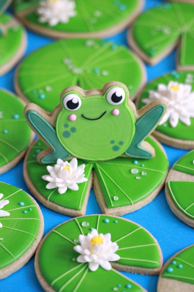 Cool Cookie Decorating Ideas - Matcha Sugar Cookie - Easy Ways To Decorate Cute, Adorable Cookies - Quick Recipes and Simple Decorating Tips With Icing, Candy, Chocolate, Buttercream Frosting and Fruit - Best Party Trays and Cookie Arrangements http://diyjoy.com/cookie-decorating-ideas