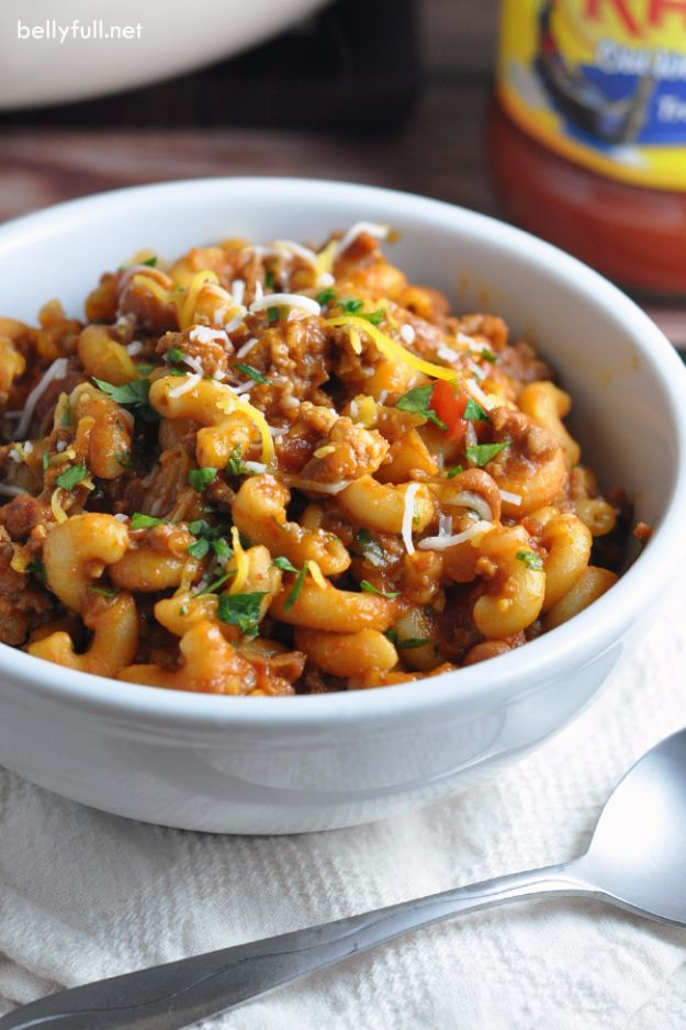 Easy Dinner Ideas for One - One Pot Chili Mac And Cheese - Quick, Fast and Simple Recipes to Make for a Single Person - Freeze and Make Ahead Dinner Recipe Tips for Best Weeknight Dinners for Singles - Chicken, Fish, Vegetable, No Bake and Vegetarian Options - Crockpot, Microwave, Healthy, Lowfat Options