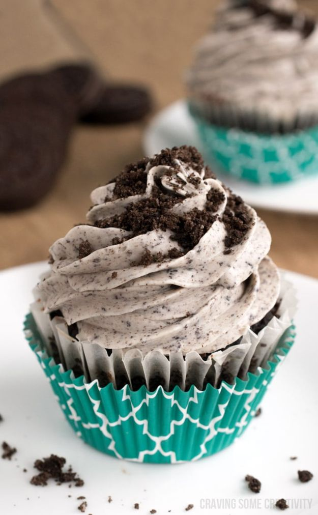 Cool Cupcake Decorating Ideas - Oreo Cream Cheese Frosting - Easy Ways To Decorate Cute, Adorable Cupcakes - Quick Recipes and Simple Decorating Tips With Icing, Candy, Chocolate, Buttercream Frosting and Fruit - Best Party and Birthday Party Ideas for Kids and Adults http://diyjoy.com/cupcake-decorating-ideas