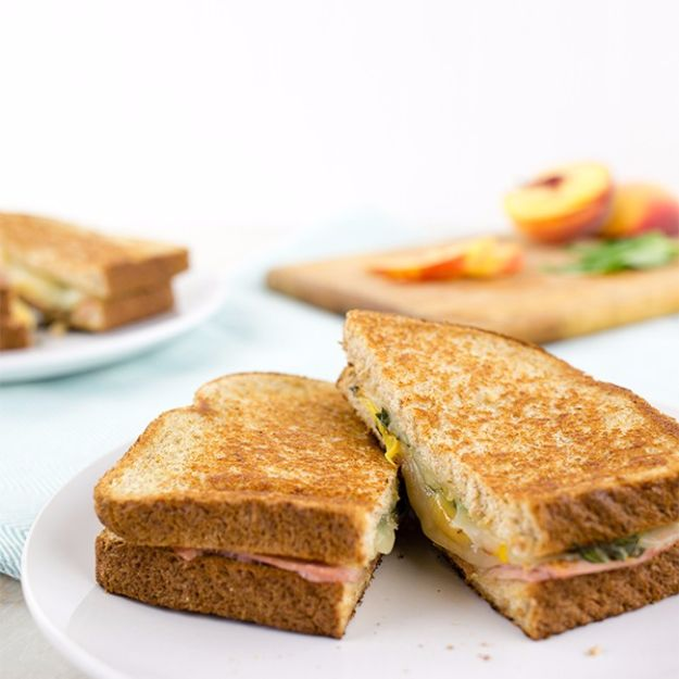Back to School Lunch Ideas - Peach and Ham Grilled Cheese Sandwich - Quick Snacks, Lunches and Homemade Lunchables - Bento Box Style Lunch for People in A Hurry - Fast Lunch Recipes to Pack Ahead - Healthy Ideas for Kids, Teens and Adults http://diyjoy.com/back-to-school-lunches