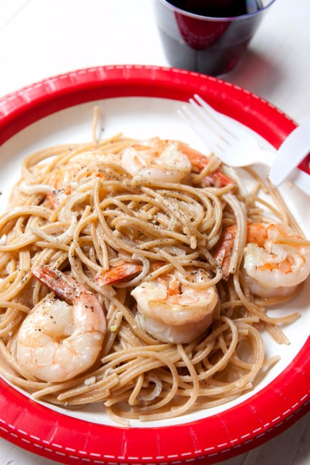 Easy Dinner Ideas for One - Shrimp Scampi for One - Quick, Fast and Simple Recipes to Make for a Single Person - Freeze and Make Ahead Dinner Recipe Tips for Best Weeknight Dinners for Singles - Chicken, Fish, Vegetable, No Bake and Vegetarian Options - Crockpot, Microwave, Healthy, Lowfat Options http://diyjoy.com/easy-dinners-for-one